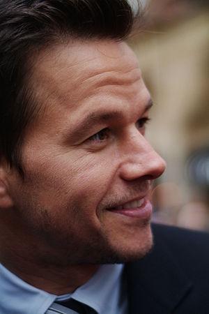 English: Mark Wahlberg at the Shooter Movie Pr...
