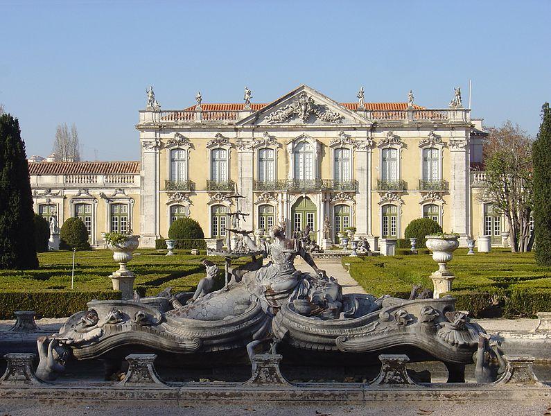 File:Queluz Palace fountains.JPG