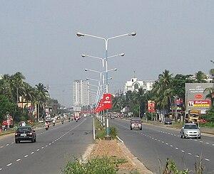 English: The Six lane section of Kochi Bypass ...