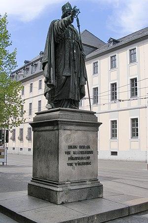 Deutsch: Würzburg - Statue des Julius Echter v...