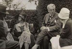 Walter de la Mare; Bertha Georgie Yeats (née H...