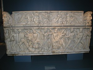 Marble Roman sarcophagus from around 160 CE de...