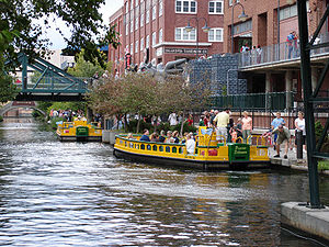 Bricktown Canal Water Taxis in en:Oklahoma City