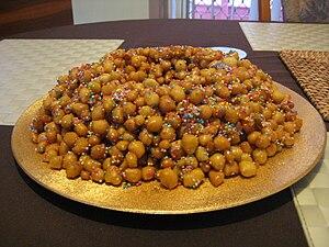 Struffoli  - Italian Christmas Candy to Me (1/2)