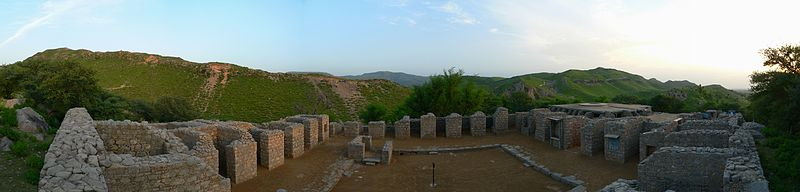 File:Panorama at Jaulian - Ancient Buddhist Monastery - Taxila, Pakistan - 566-31.JPG