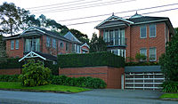 external image 200px-Apartments%2C_8-10_Russell_Avenue%2C_Lindfield%2C_New_South_Wales_%282011-07-17%29.jpg