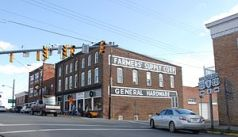 Hardware store in Floyd, Virginia at the main ...