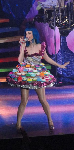 "English: Katy Perry performing ""Californi..."