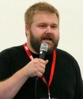 English: Robert Kirkman at the 2010 Comic-Con ...