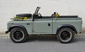 Deutsch: Land Rover Series Station.