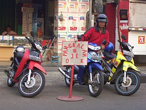 Ojeks (motorcycle taxis)