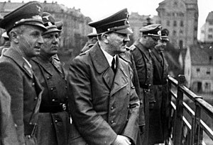 Siegfried Uiberreither, on far right, with Mar...
