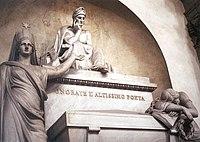 Tumba memorial de Dante Alighieri en la Bas�lica de Santa Cruz en Florencia