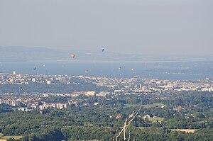 Parts of the city of Geneva and Lake Geneva wi...