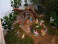 Presépio tradicional português - com musgo, vegetação e peças de cerâmica avulsas