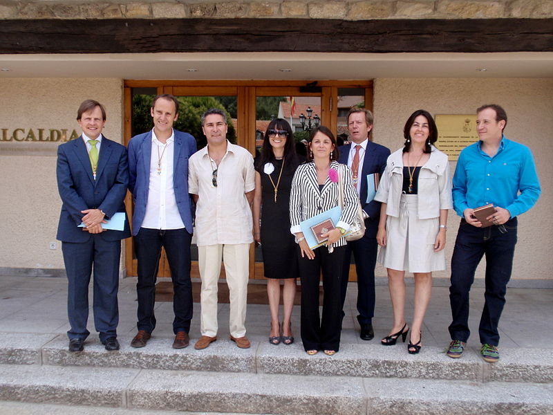 File: Torrelodones.  Concejales de VxT 2011.jpg