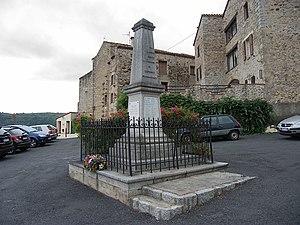Français : Monument aux morts, Corsavy (Pyréné...