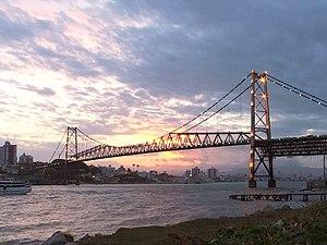 Hercílio Luz Bridge at sunset, Florianópolis, ...