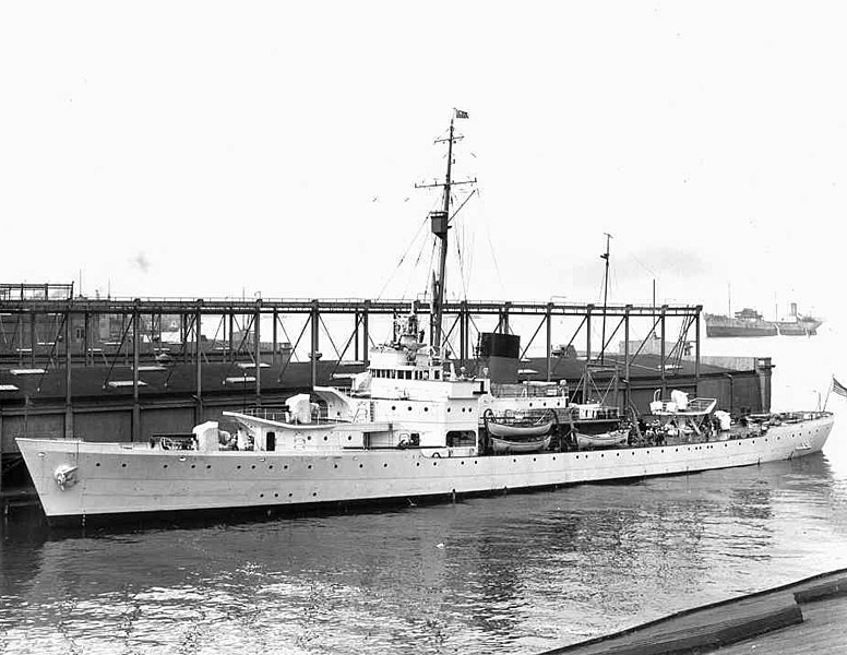 File:USCGC Campbell (WPG-32) at New York Navy Yard 1940.jpg