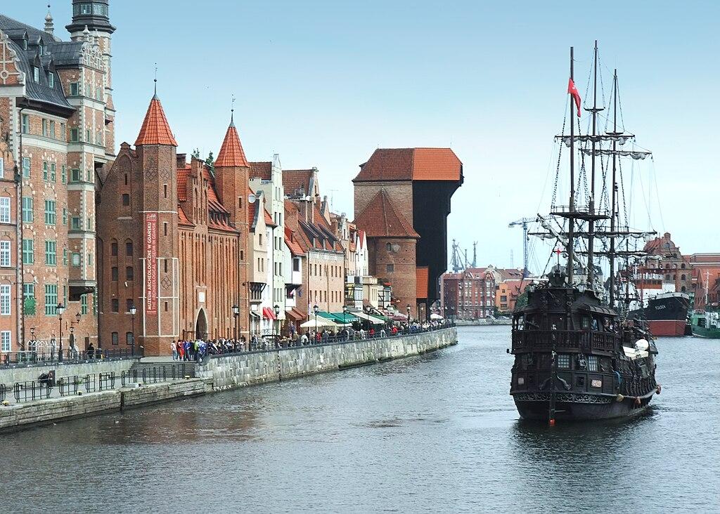Długie Pobrzeże in Gdańsk (Motława)