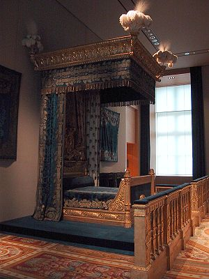 King's bed at the Louvre Museum