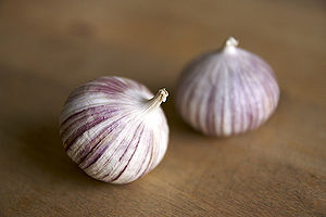English: Single clove garlic.