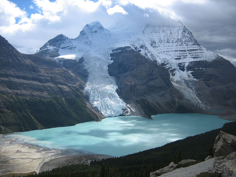 File:Berg Lake Canadian Rockies.jpg