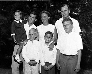 The George H. W. Bush family (l-r front row - ...