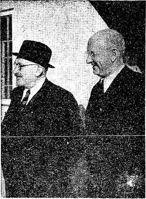 English: Henry Morgenthau, Jr. with Israel pre...