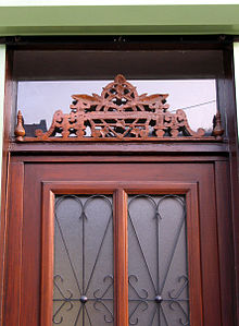 marquise de porte en bois