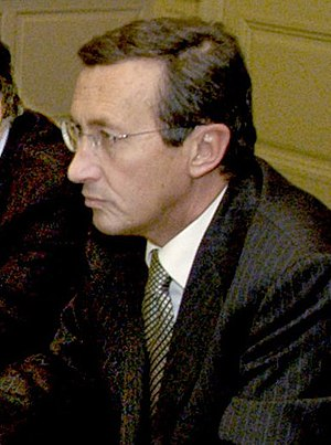Gianfranco Fini (2004 image)