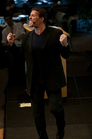 English: Motivational speaker Tony Robbins at ...
