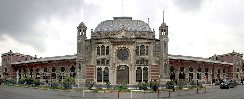 Bestand:Bahnhofsfront-Istanbul-Sirkeci retouched 2.jpg