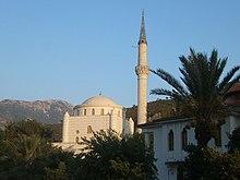 Die weiße Moschee im Zentrum von Fethiye