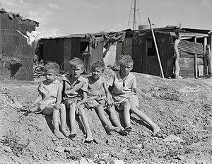 English: Children of migrant cotton field work...