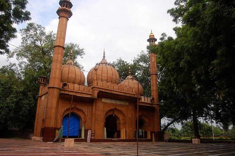 File:Sunehri Masjid in Delhi.jpg