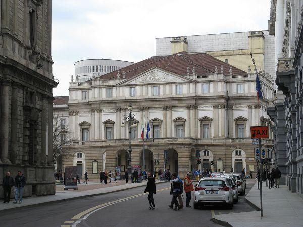 File:Teatro alla Scala-Milano-3.jpg - Wikipedia