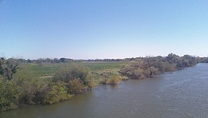 English: Tuolumne River in West Modesto-Riverd...