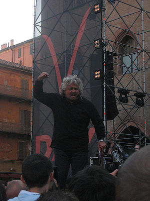 Beppe Grillo al V-Day a Bologna l'8 settembre 2007