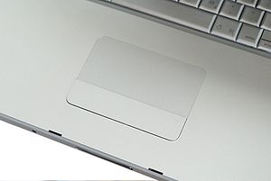 "Apple Macbook Pro (Early 2008) 17"" Trackpad"