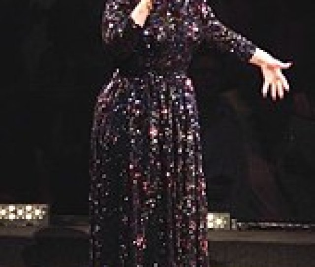 Adele Singing In St Paul During Her First North American Tour In Five Years In July 2016 Ten Million People Tried To Buy Tickets For The North American