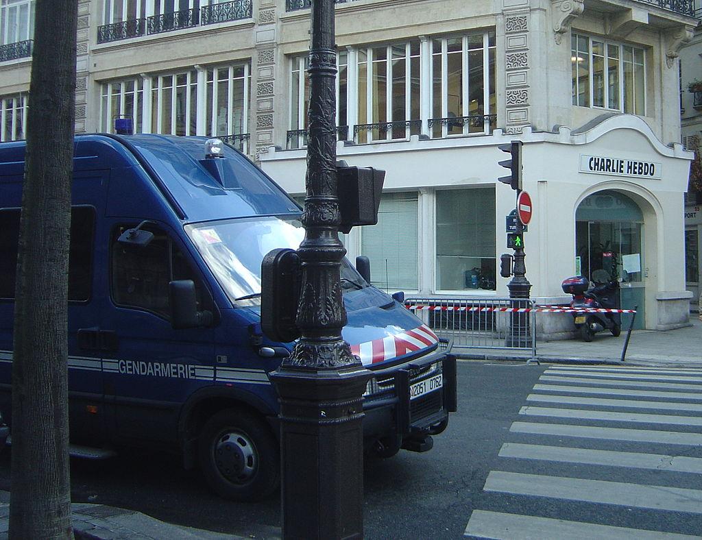 Charlie Hebdo 2006-02-08 gendarmes mobiles dsc07403.jpg