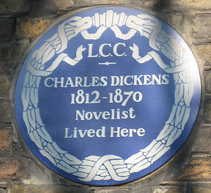 English: Blue plaque on no 48 Doughty Street, ...
