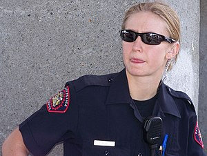 English: A member of the Calgary Police Servic...