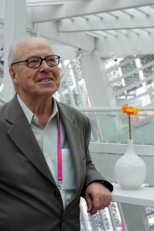 Swedish diplomat and politician Hans Blix rela...