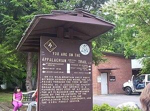 English: An Appalachian Trail sign in Hot Spri...