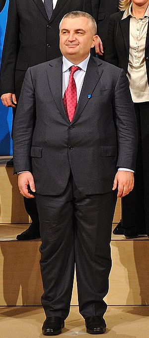 English: Ilir Meta Shqip: Ilir Meta