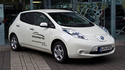 Nissan Leaf – Frontansicht, 28. April 2012, Düsseldorf