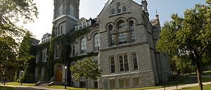 English: Theological Hall, Queen's University,...