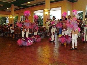 English: Grupo de bailarines Sirenis, Cuba, Va...